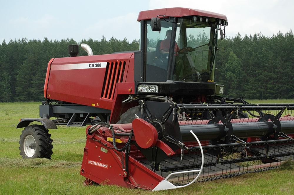 самоходная роторная косилка для травы