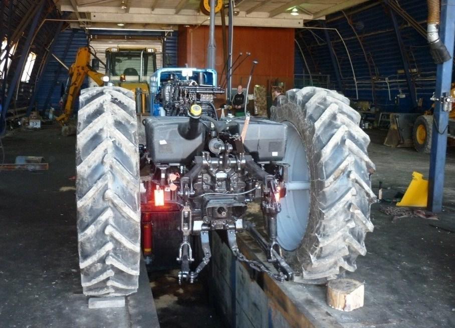 Ремонт тракторов в Новосибирске доверяйте профессионалам!