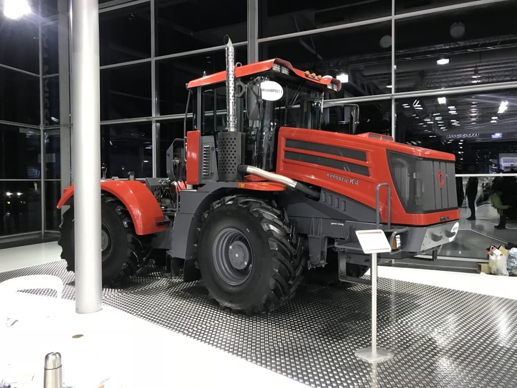 Новый трактор Кировец