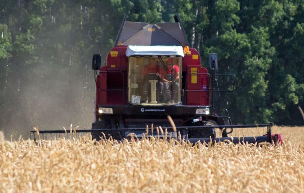Продажа зерноуборочных комбайнов